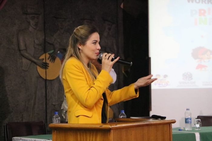 Onélia Santana apresenta o Programa Mais Infância Ceará no Espírito Santo