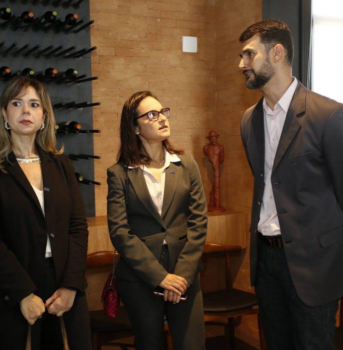 Amanda Machado, Fernanda E Dimas Barreira