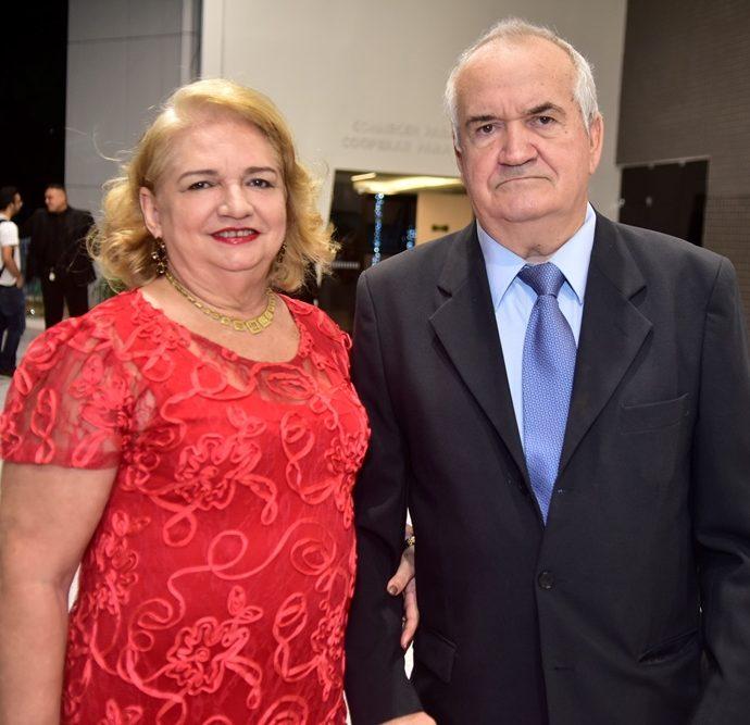 Ana Lucia E Valtecio Botelho