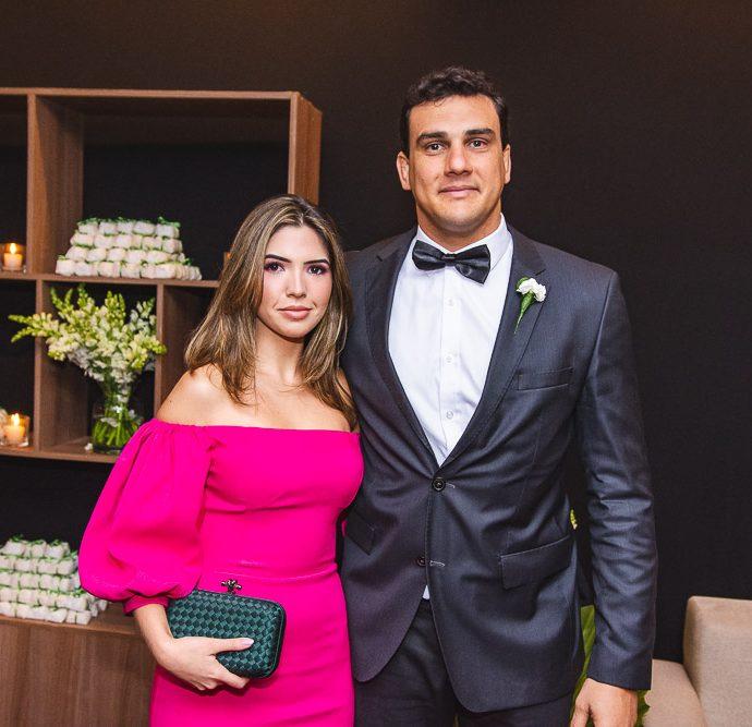 Ana Luiza Holanda E Lucas Colares