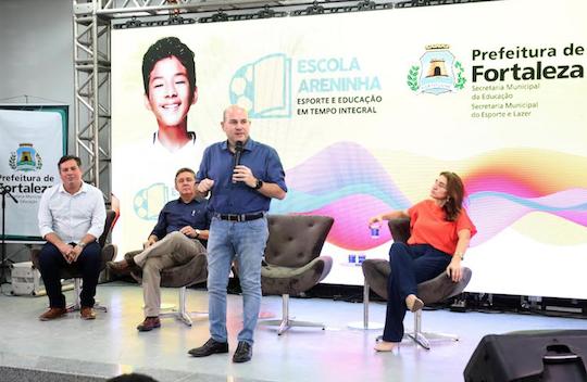Roberto Cláudio lança projeto Escola Areninha em Fortaleza
