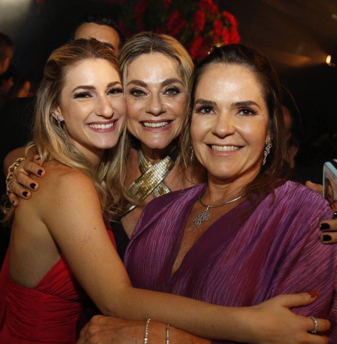 Bruna E Celia Magalhaes E Rafaela Pinto