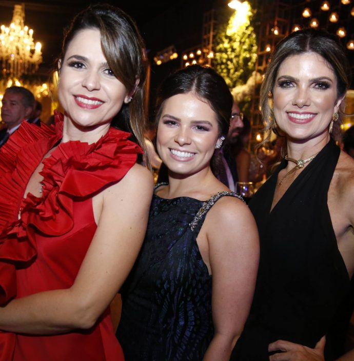 Camila Benevides, Leticia Ximenes e Ines de Castro