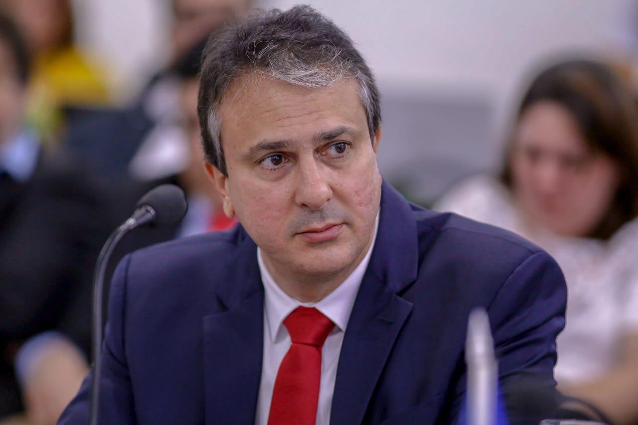 Camilo Santana lança plataforma para acelerar o crescimento econômico