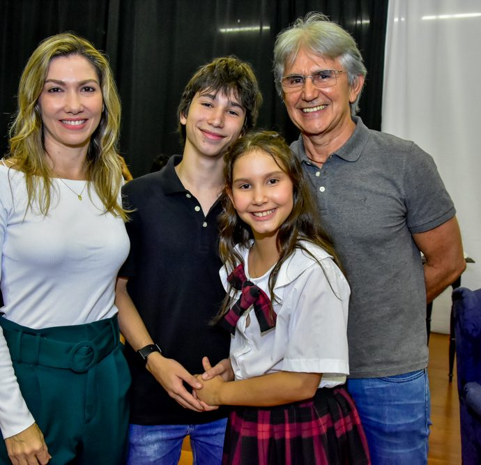 Candice, Gabriel, Clara E Tom Trajano