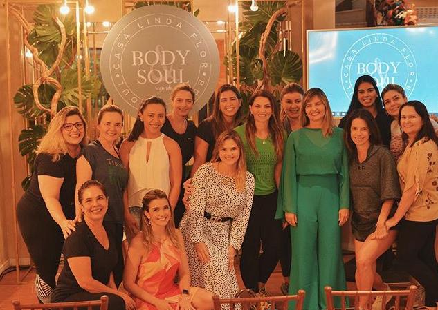 Surama Geleilate reúne um grupo de mulheres para tarde de autocuidados na Casa Linda Flor