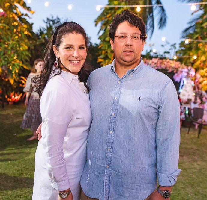 Carol Ary E Mateus Carvalho