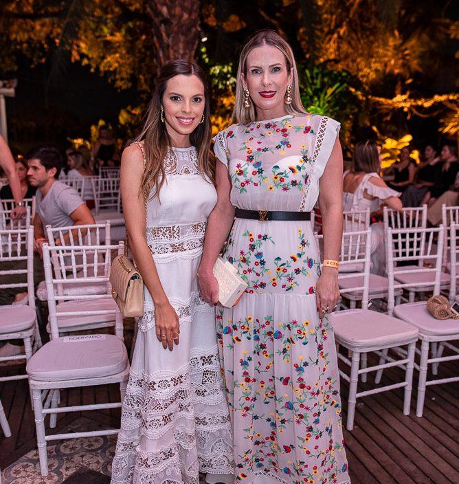 Carol Lisboa E Yasmin Costa