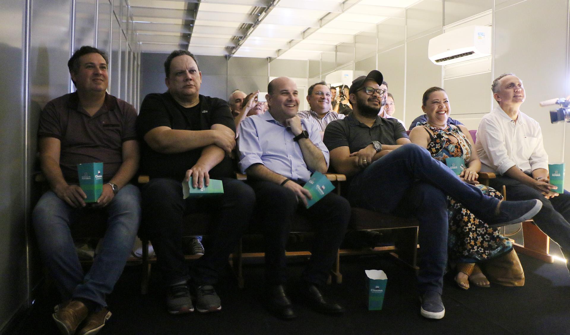 Roberto Claudio lança o projeto Cinema nos Terminais