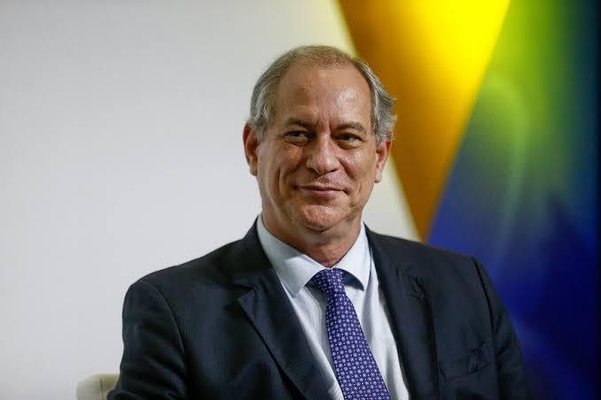 Ciro Gomes debate sobre políticas públicas em Cajazeiras