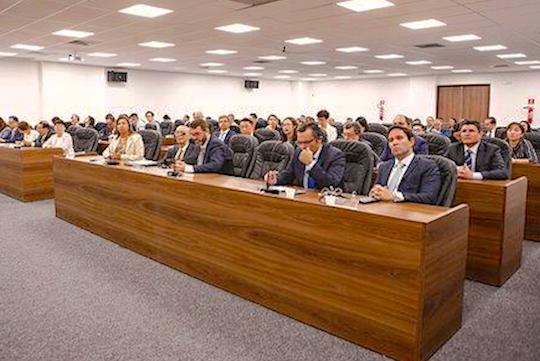 Comitiva de Macau fecha acordo com a OAB-CE, visita FIEC e Sedet