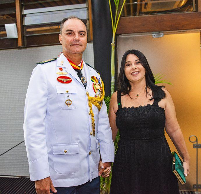 Coronel Holanda E Angela Holanda