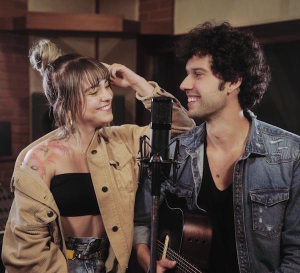 Davi Cartaxo e Camila Marieta gravam clipe em São Paulo
