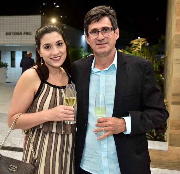 Diana E Adriano Farias