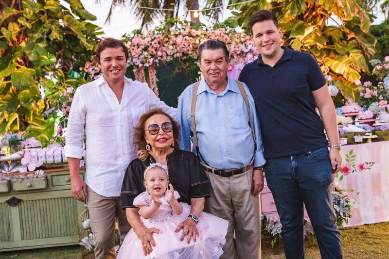 Jardin Encatado - Roberta Ary e Dico Carneiro Neto celebram o primeiro aninho de Maria Eduarda