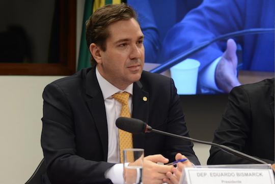 Eduardo Bismarck comemora aprovação da PEC 48/19, na Câmara, e seu aniversário