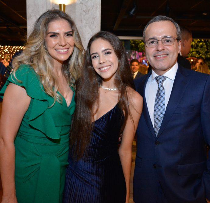 Elaine Pereira E Maria Claria E Gustavo Veras