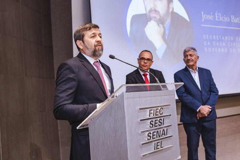 Personalidade Pública - Em prestigiada solenidade, Élcio Batista é agraciado com a comenda Beni Veras 2019