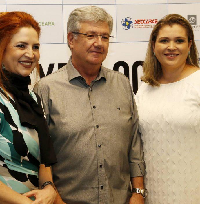 Enid Camara, Carlos Maia e Rebeca Oliveira
