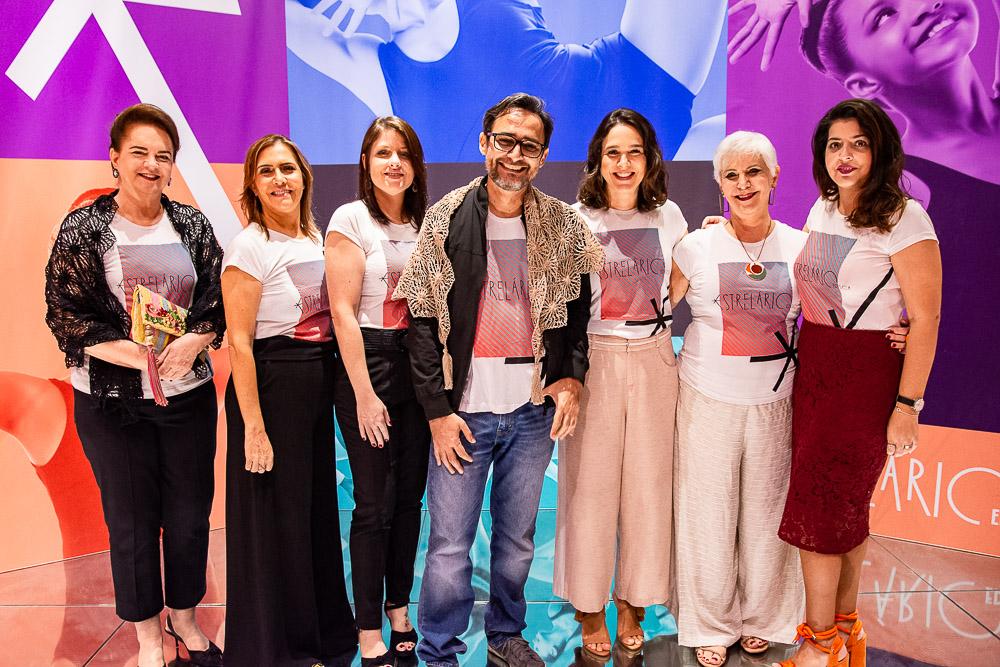 Embaixadores do Estrelário marcam presença na loja da Edisca para dia de vendas