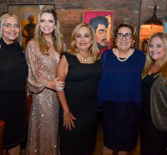 Eugenia, Tais, Ana, Lucia E Beth Pinto