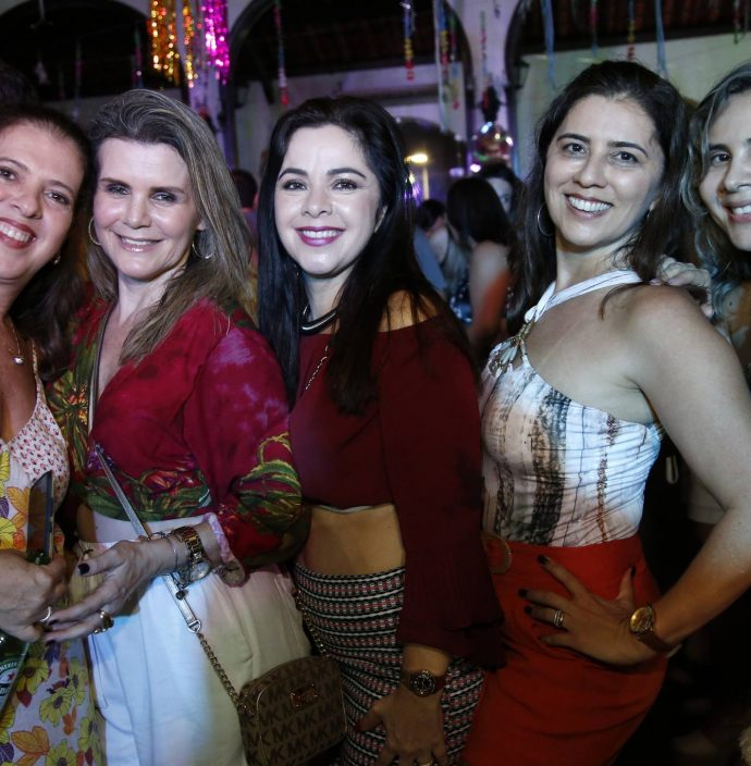 Fernanda Aguiar, Sandra Peixoto, Rose Ximenes, Sangela Ximenes E Tamara Freitas