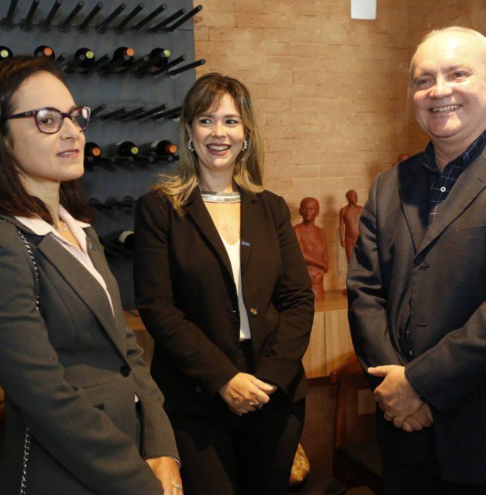 Fernanda Barreira, Amanda Machadso E Savio Carvalho