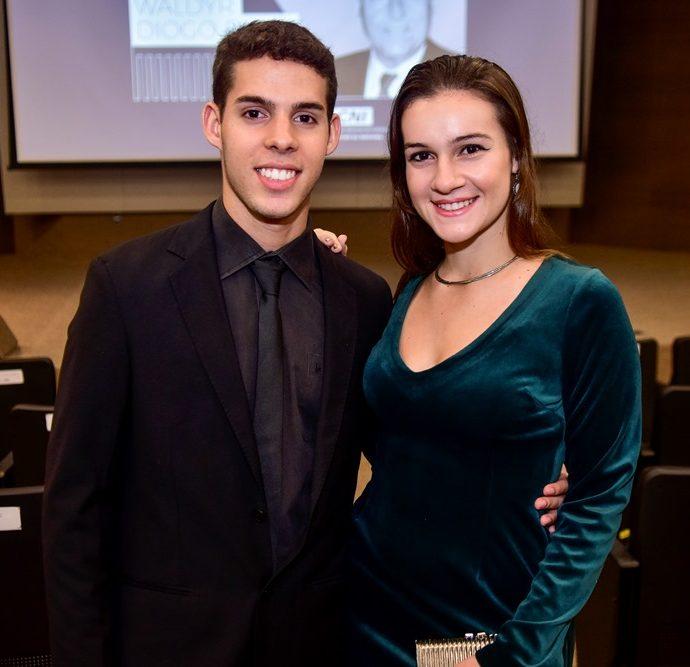 Fernando E Victoria Diogo De Siqueira