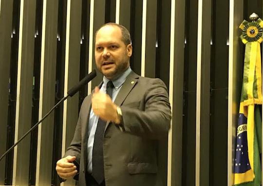 Heitor Freire será premiado como político cearense melhor avaliado