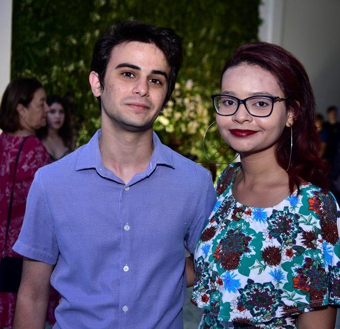 Gabriel Nogueira E Karina Lopes
