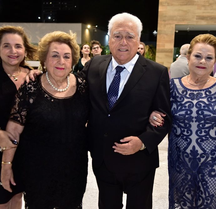 Heleoisa Diogo De Holanda, Silvia Diogo, Waldyr Diogo Filho, Helena Diogo