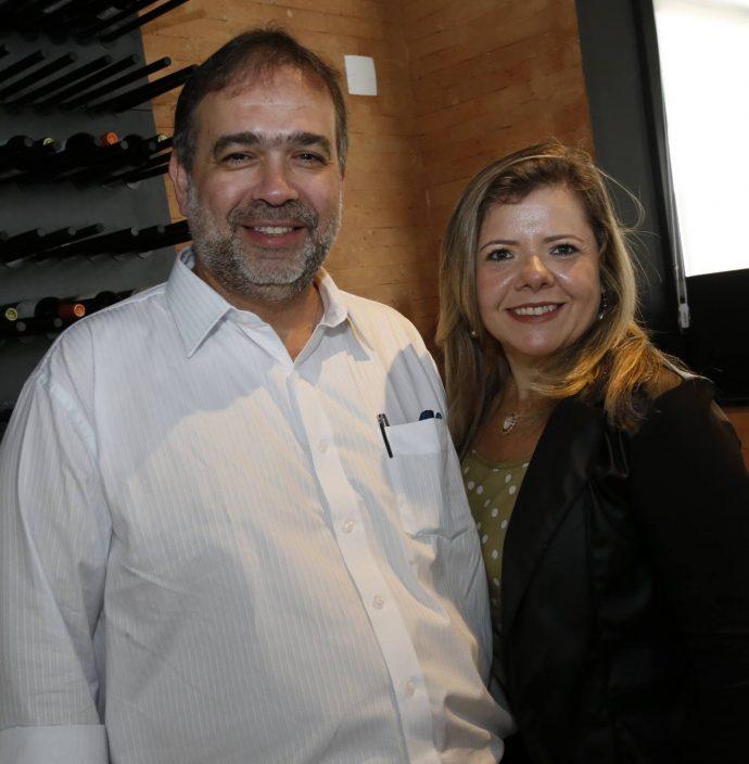Hugo Leao E Claudia Brilhante