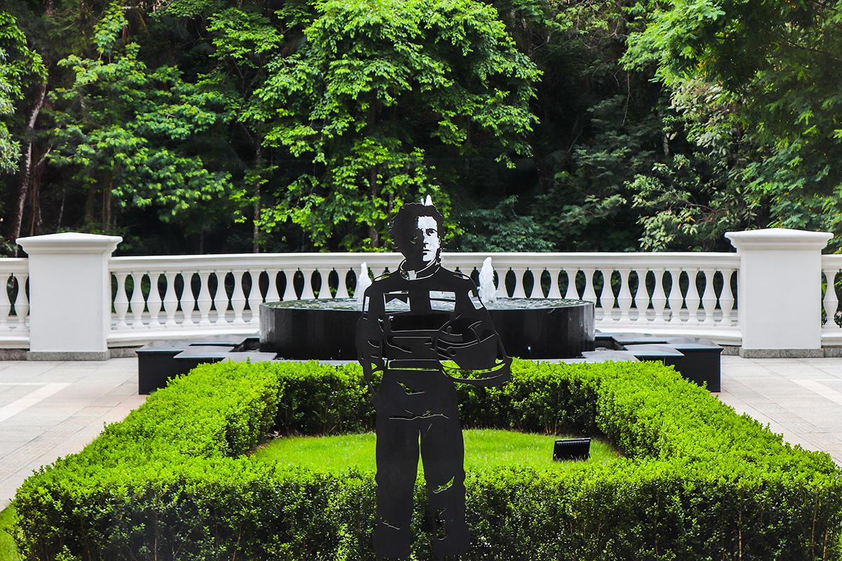 Palácio Tangará abre exposição em homenagem a Ayrton Senna, com obras de Sami Akl