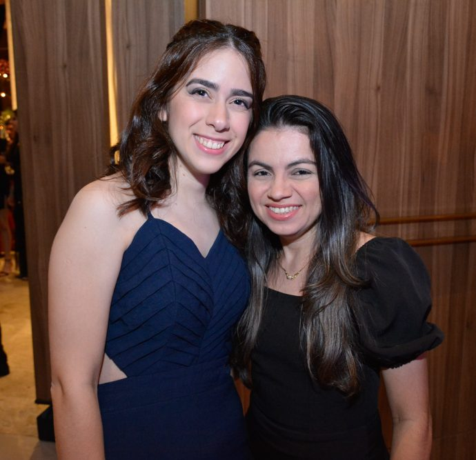 Ivina Moraes E Paty Farias