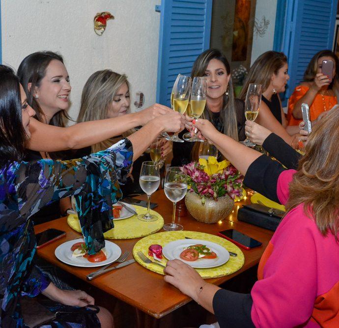 Jantar Das Amigas