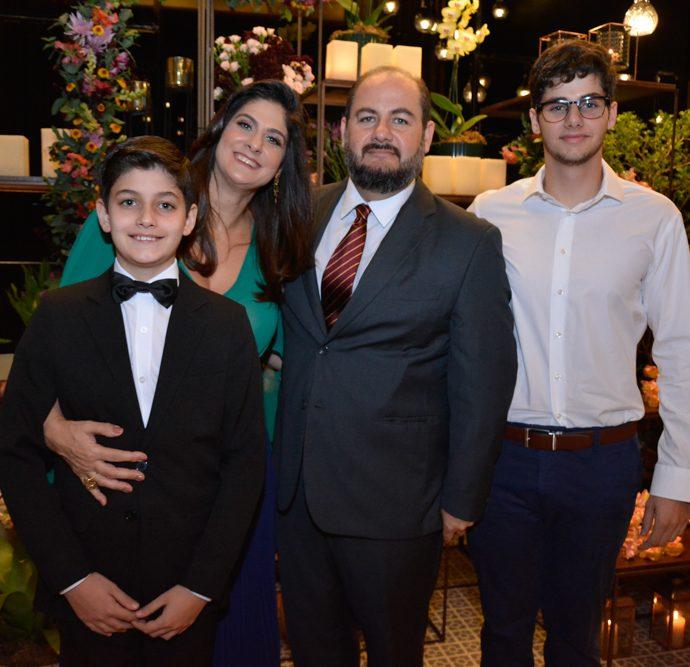 Joao, Clarissa, Alexandre E Lucas Cabral