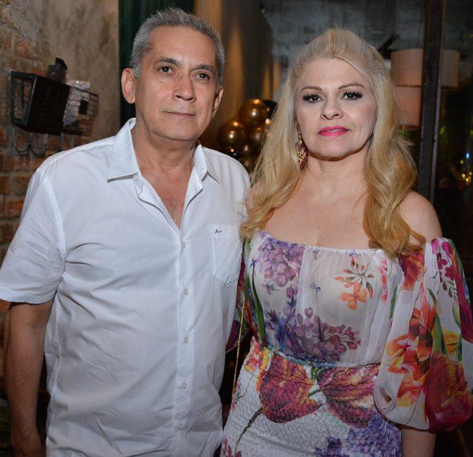 Junior E Maria Ilza Pinto