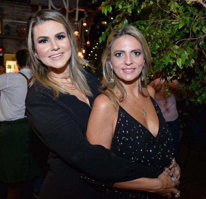 Karine Moreira E Michele Aragão
