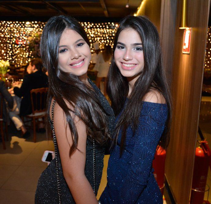 Larissa Galisa E Raquel Costa