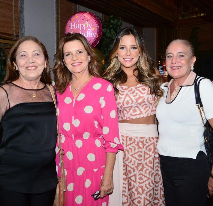 Lele Alencar, Geni Correia Lima, Fernanda Levy E Larissa Alencar