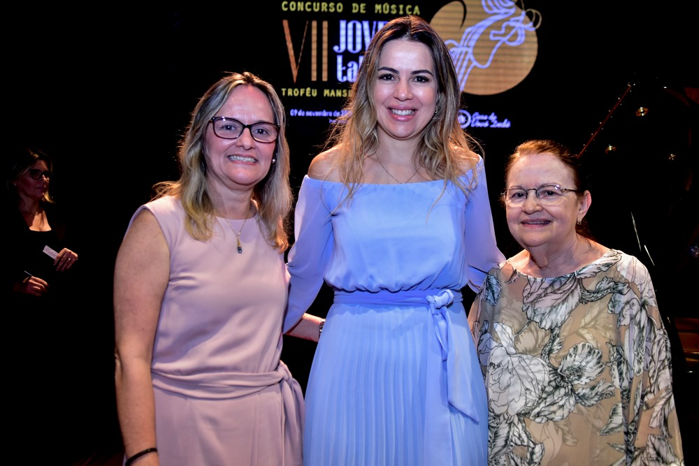 Onélia Santana encabeça lista de agraciados com o Troféu Mansueto Barbosa