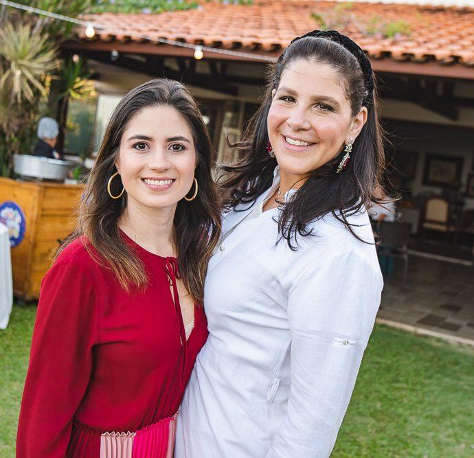 Luciana E Carol Ary