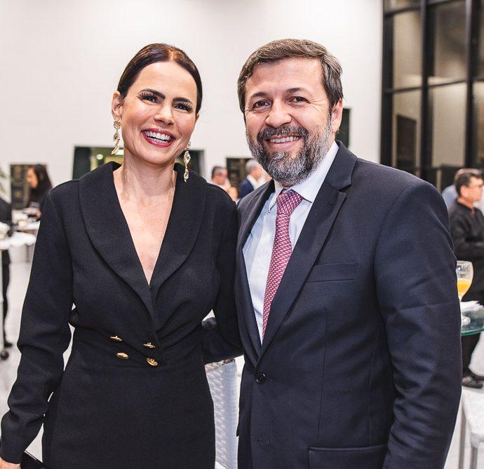 Luciana Sousa E Alcio Batista