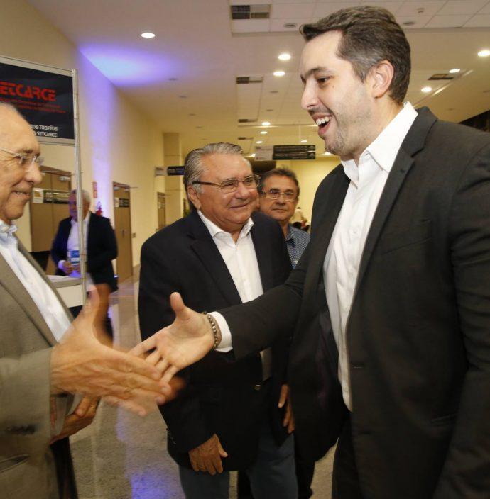 Luiz Carlos Correa E Tiago Leal