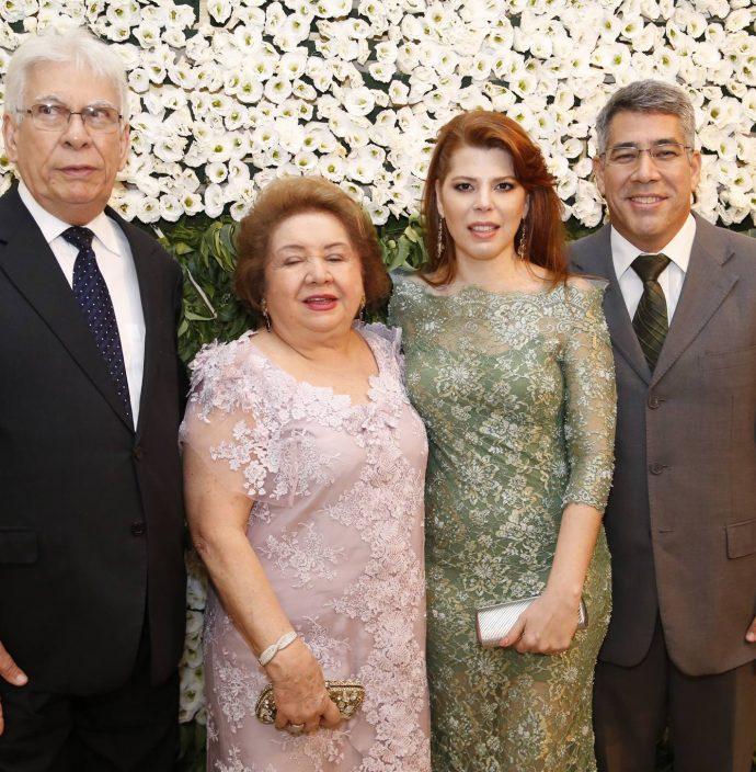 Manuel, Mana, Marciana E Cid Holanda