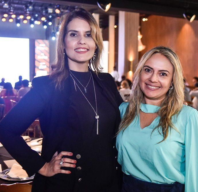 Mara França, Monika Vieira