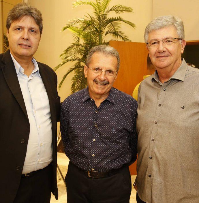 Marcos Oliveira, Egidio Serpa E Carlos Maia