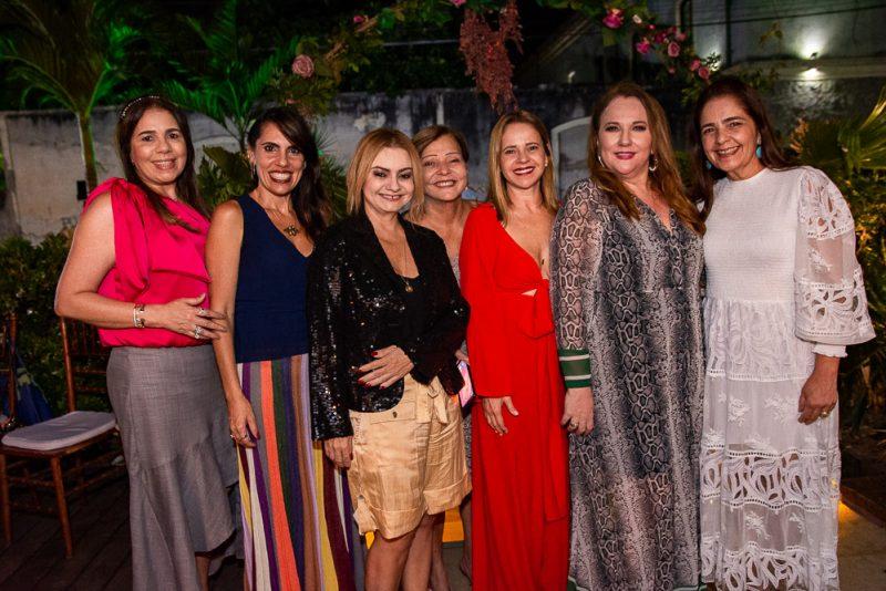 B-day - Luiziane Cavalcante troca de idade com festa surpresa no L'Ô Restaurante