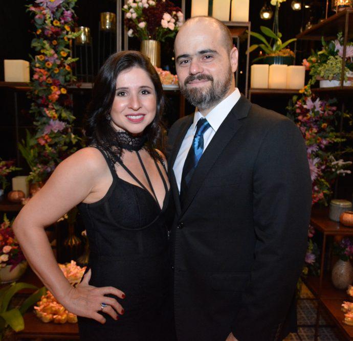 Mariana Tomaz E Regis Nogueira
