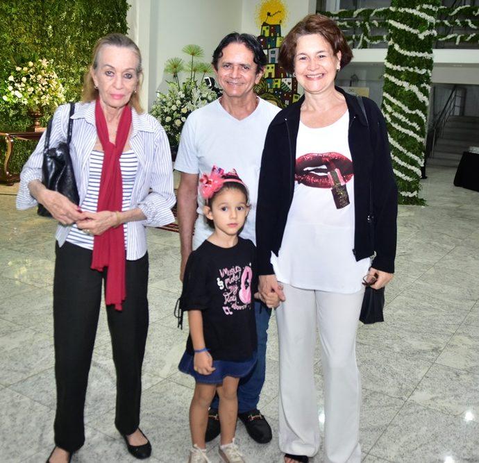 Mirian Markan, Moacir Nascimento, Adriana Markan, Leticia Markan